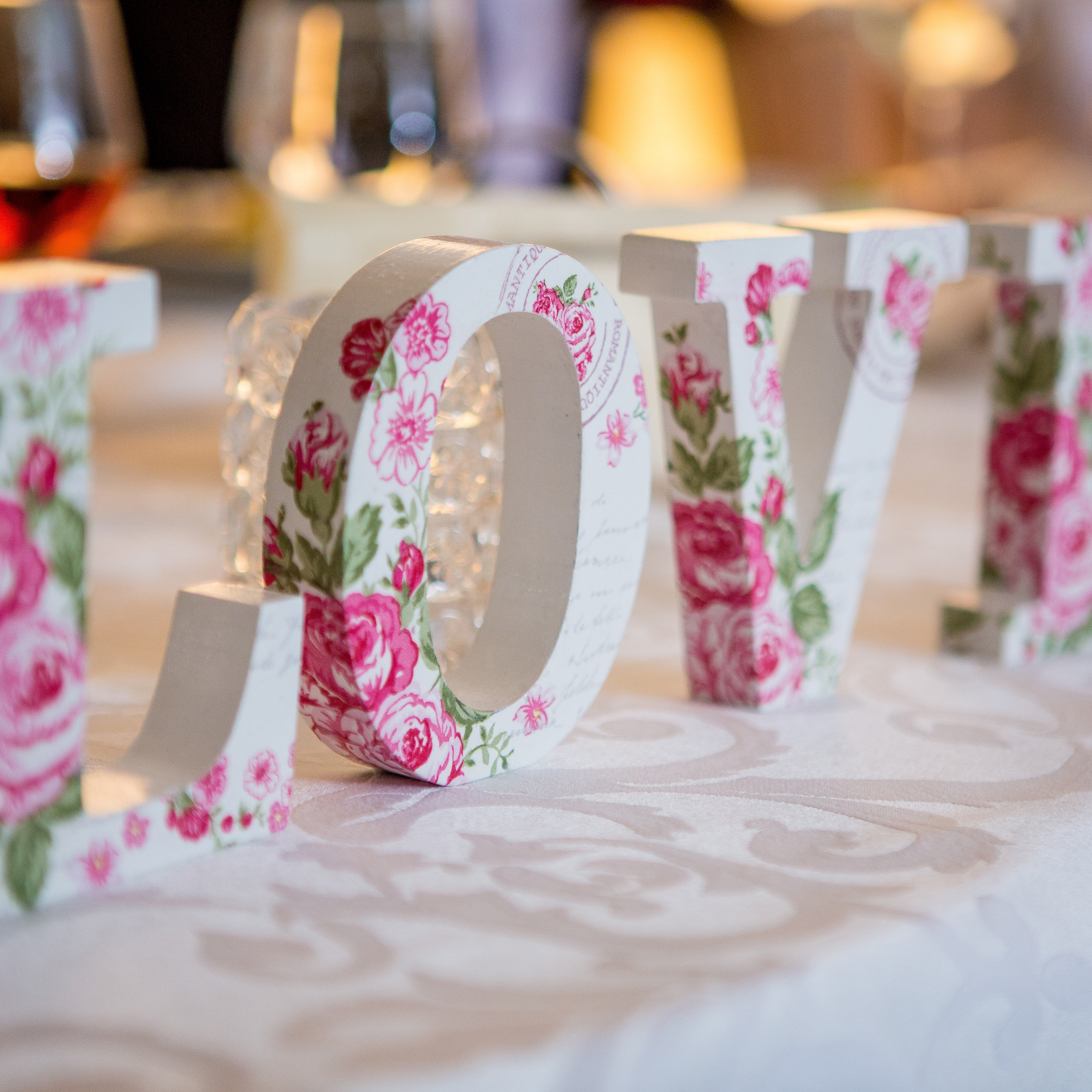 Should you Buy or Hire your Wedding Props and Decorations?